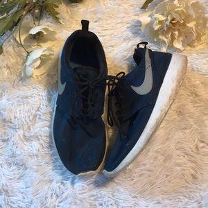 Youth Nike Roshe